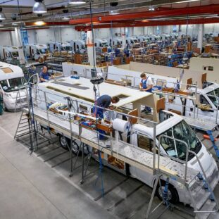 Reisemobilproduktion-CMYK-pressebild_lowres